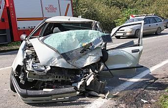 Ordu'da minibüsle otomobil çarpıştı: 3 yaralı