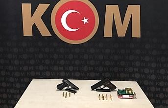Samsun'da bir iş yerinde silah ve mühimmat...