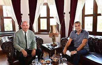Şenol Güneş'ten Trabzon Büyükşehir Belediyesine...