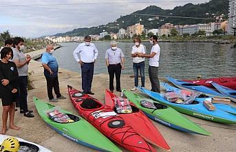 Türkiye Kano Federasyonundan kulüplere malzeme yardımı
