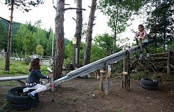Zekeriya dede 10 dönümlük bahçesini çocuk parkına...