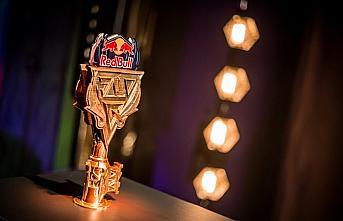 1v1 LoL turnuvası Red Bull Solo Q'da final heyecanı...