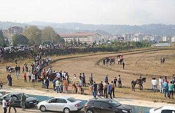3. Beşikdüzü Cumhuriyet Rahvan At Yarışı yapıldı
