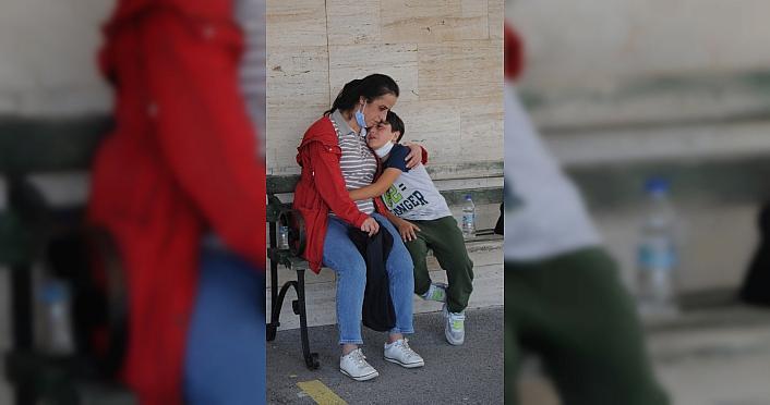 Antalya'da otomobille motosikletin çarpışması sonucu üniversite öğrencisi genç kız öldü