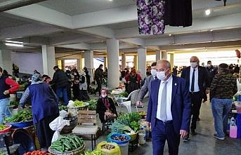 Devrek Belediye Başkanı Çetin Bozkurt, pazar yerini denetledi