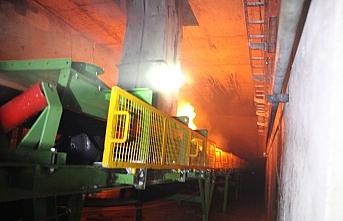 Düzce'de çimento fabrikasında çıkan yangın kontrol...