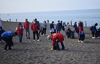 Düzce'de gönüllü gençlerden