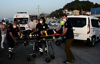 Düzce'de iki otomobilin çarpışması sonucu 3 kişi yaralandı