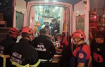 Düzce'de kamyonla otomobil çarpıştı: 3 yaralı