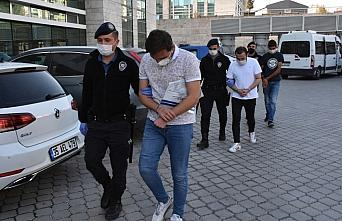 GÜNCELLEME - Samsun'da uyuşturucu operasyonunda yakalanan 5 zanlıdan 2'si tutuklandı