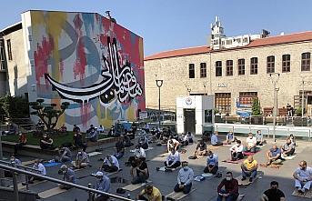 Hat sanatını grafitiyle yorumlayan sanatçının hayali, yurt dışındaki bir meydanda çalışma yapmak