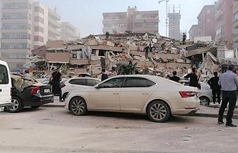 İzmir deprem oldu, kaç şiddetinde ölü yada yaralı...