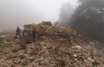 Karabük'te devrilen iş makinesindeki 3 işçi yaralandı