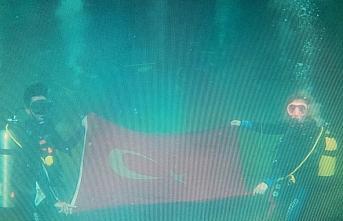 Karadeniz'de Türk bayrağı açılarak Cumhuriyet'in kuruluşunun 97'nci yılı kutlandı