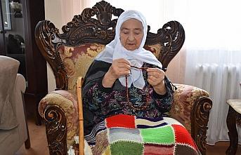 KOVİD-19 HASTALARI YAŞADIKLARINI ANLATIYOR - Bedriye Nine 98 yaşında Kovid-19'u yenerek yaşama tutundu