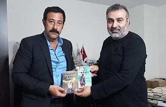 Mehmet Aras, Yazar Adnan Öz'ü ziyaret etti