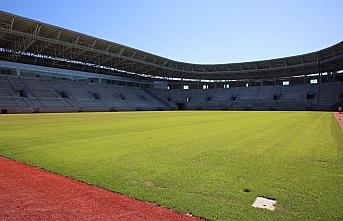 Ordu Stadı'nın koltukları takılmaya başlandı