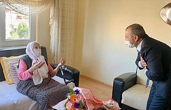 Ordu Valisi Tuncay Sonel Cumhuriyet'le yaşıt kent sakinlerini ziyaret etti