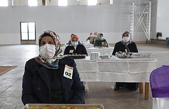 Rize'de kadınlar en güzel Laz böreğini yapmak için yarıştı