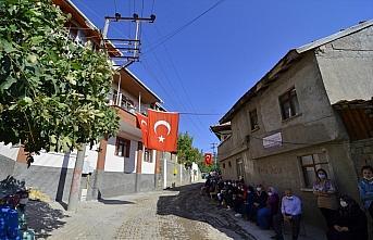 Şehit Astsubay Kıdemli Çavuş Dokumacı'nın cenazesi toprağa verildi