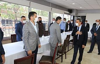 Sinop'ta Vali Karaömeroğlu muhtarlarla bir araya geldi