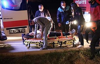 Su kanalına devrilen hafif ticari aracın sürücüsü yaralandı