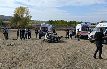 Tokat'ta otomobil tarlaya devrildi: 7 yaralı