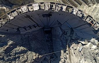Türkiye'nin en yüksek barajında yüzde 87'lik fiziki...