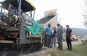 Yığılca'daki köy yollarında asfalt çalışmaları...