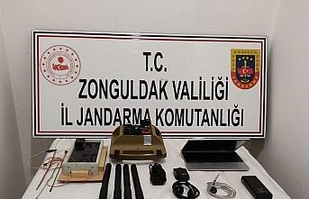 Zonguldak'ta izinsiz define arayan 6 kişi suçüstü...