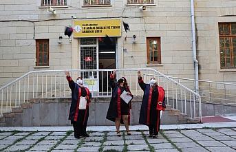 52 yaşında meslek lisesinden mezun olmanın mutluluğunu...