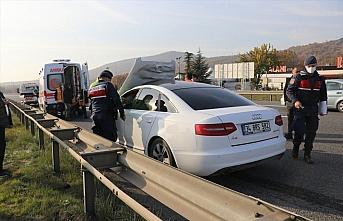 Anadolu Otoyolu'nda otomobil yayaya çarptı: 1 ölü,...