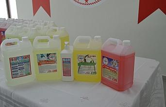 Bartın'da lisede kurulan laboratuvarda günde 5 ton dezenfektan üretiliyor
