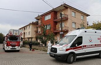 Bolu'da kendisinden haber alınamayan yaşlı kadına balkon kapısından ulaşıldı