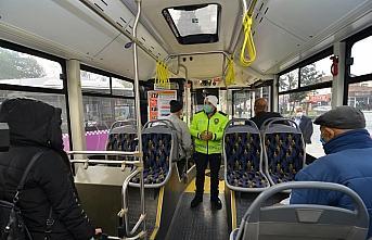 Çorum'da halk otobüslerinde sosyal mesafe denetimini sivil polis yapıyor