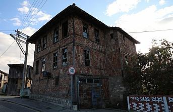 Düzce'de Konuralp Antik Tiyatro çevresindeki tescilli evler restore edilecek