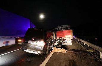 GÜNCELLEME - Bolu'da minibüs tıra çarptı: 2 ölü, 3 yaralı