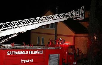 Karabük'te benzinle tutuşturulmaya çalışılan sobanın parlaması sonucu yangın çıktı