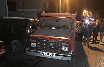 Karabük'te freni boşalan kamyonet 4 araca çarparak durabildi