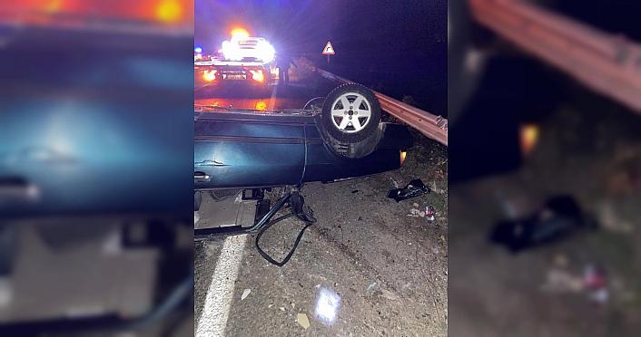 Karabük'te takla atan otomobildeki 2 kişi yaralandı