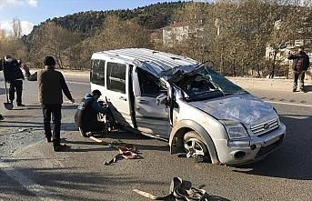 Karabük'te zincirleme trafik kazası: 1'i çocuk 3 yaralı