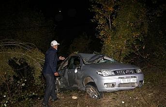 Kastamonu'da devrilen otomobildeki 3 kişi yaralandı
