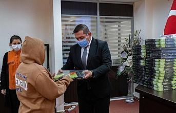 Kastamonu'da ihtiyaç sahibi öğrencilere tablet dağıtıldı