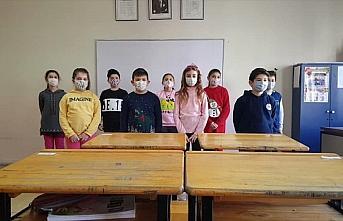 Kastamonu'da ilkokul öğrencilerinden sağlık çalışanlarına teşekkür videosu
