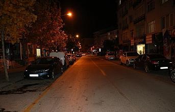 Sakarya, Bolu, Düzce ve Karabük'te sokağa çıkma kısıtlamasının ikinci gününde yasaklara uyuldu