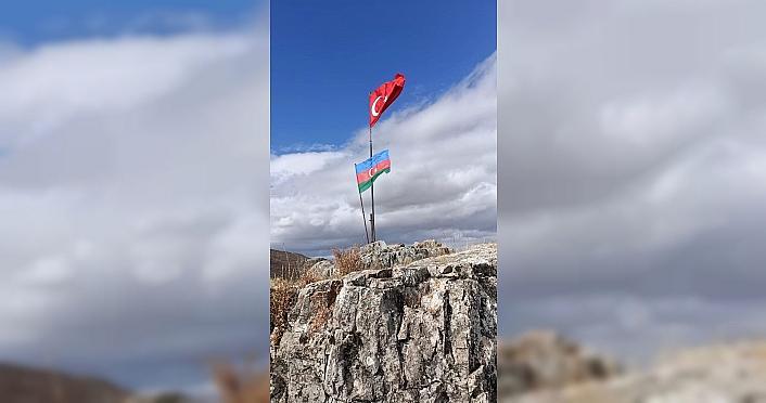 Tokat'ta dağcılardan Azerbaycan'a destek
