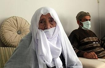 103 yaşındaki Nazire nine Kovid-19'u yenmeyi başardı