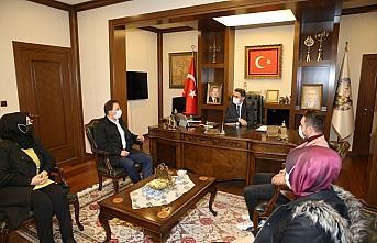 Belediye Başkanı Eroğlu'na personelden teşekkür...