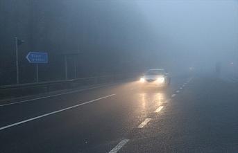 Bolu Dağı'nda yoğun sis ve sağanak etkili oluyor