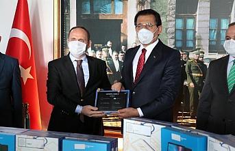 Bolu'da ihtiyaç sahibi 1724 öğrenciye tablet bilgisayar...